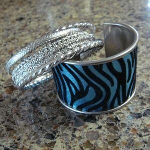 Jewelry - Fashion bracelets - lot of 8